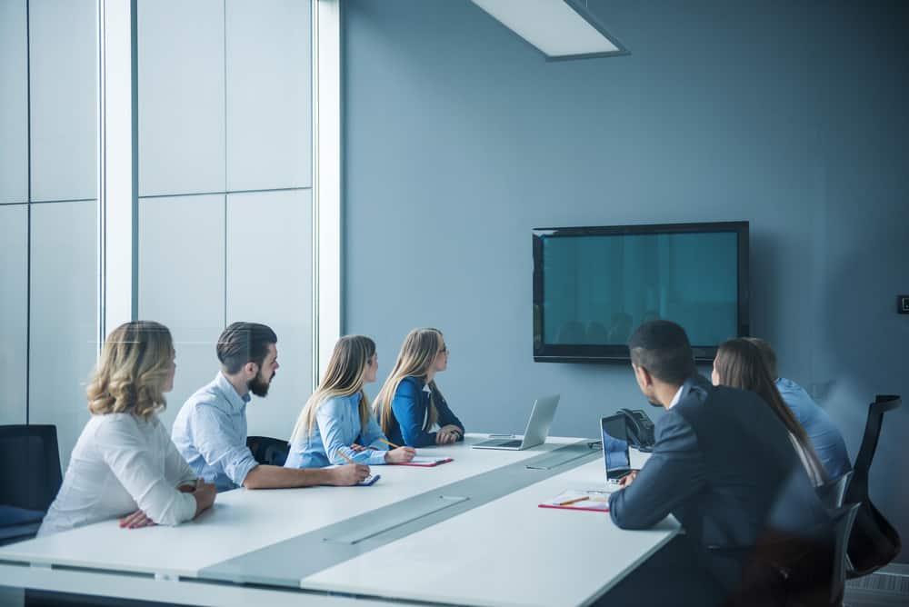 Jak stworzyć komfortową salę konferencyjną? – podpowiada nam ekspert z salonu mebli biurowych w Katowicach